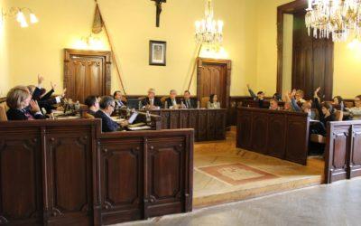 El Pleno reprueba la gestión urbanística del PP a petición de APYD